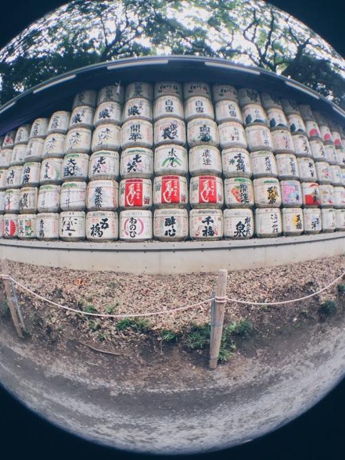 Meiji Jingu/Meiji Shrine - Barrels of Sake with Olloclip - helloteri