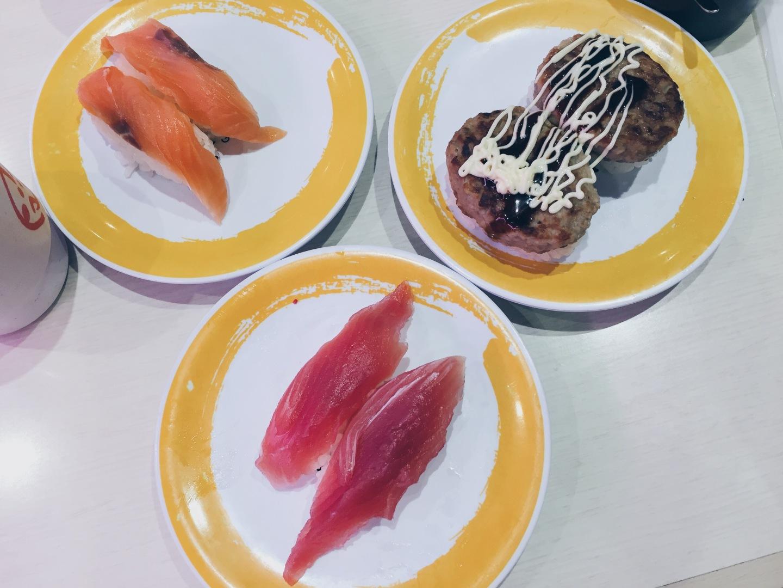 Genki Sushi - Conveyor Belt Sushi - Nigiri - helloteri