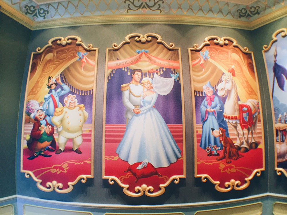 Japan, Tokyo Disneyland - Cinderella's Fairytale Hall - helloteri