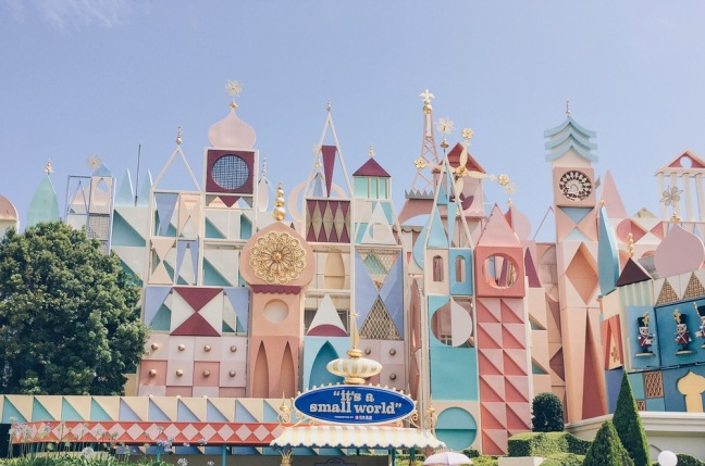 Japan, Tokyo Disneyland - It's a Small World - helloteri