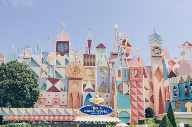 Japan, Tokyo Disneyland - It's a Small World - helloteri
