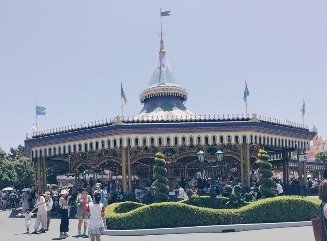 Japan, Tokyo Disneyland - Carousel - helloteri